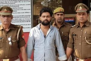 Police said the accused Gulshan Kashyap (centre) is a resident of Devi Lal Colony in Gurugram and a third-year BCom student.