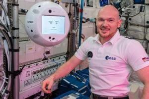 German astronaut Alexander Gerst interacts with technology demonstrator CIMON