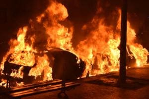 A man faked his death allegedly for making insurance claim, but ran out of luck as the police nabbed him on suspicion that he had killed a labourer and burnt his body in his car.