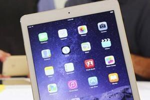 A row has kicked off over Pimpri Chinchwad municipal corporation purchasing a new Apple tablet for Rahul Jadhav, mayor.