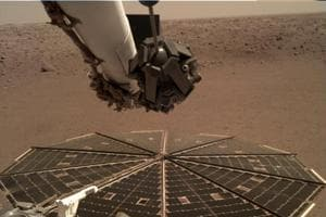 After the successful touchdown of NASA's InSight on Mars last week, new images from the lander show its robotic arm is ready to do some lifting.