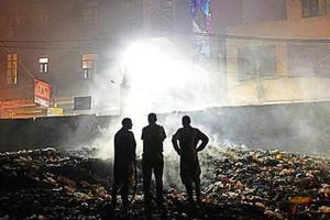 Open dumping and burning of any kind of waste is illegal in Delhi as per directions of the National Green Tribunal.