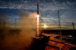 Photos of the week:En route ISS from Baikonur and Bush 41's funeral