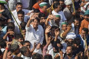 RLD chief Ajit Singh and farmers protesting at Delhi-UP border during