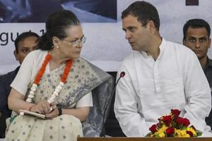 Sonia Gandhi meets Rahul on 3 chief ministers, announcement likely tonight