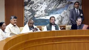 Congress President Rahul Gandhi, UPA chairperson Sonia Gandhi, former prime minister HD Deve Gowda, Andhra Pradesh Chief Minister N Chandrababu Naidu, West Bengal Chief Minister Mamata Banerjee attend a meeting of opposition parties at Parliament House Annexe in New Delhi, India, on Monday, December 10, 2018. (File Photo)