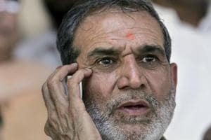 Eyewitnesses say they saw Sajjan Kumar, and heard him instigating the crowd to kill Sikhs.