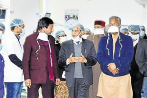 Uttarakhand chief minister Trivendra Singh Rawat (in blue jacket) went to AIIMS, Rishikesh, on December 18 to visit the girl who was set on fire by a jilted stalker.
