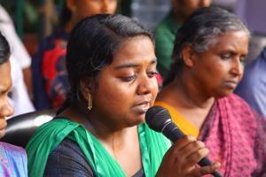 The widow of Sanal Kumar at the dharna site in Thiruvananthapuram.