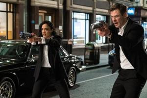 Tessa Thompson and Chris Hemsworth play agents M and H in Men In Black International.