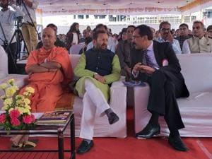(From left) Swami Govind Dev Giri Maharaj,  Union HRD minister Prakash Javadekar and Sanjay Malpani during the inauguration of the Malpani foundation's Dhruv Global School at Nande village near Pune.