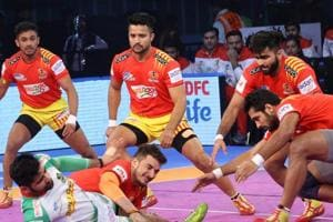 Gujarat Fortunuegiants saw off a spirited fight from defending champions Patna Pirates to secure a 37-29 win in an Inter-Zone Wildcard Pro Kabaddi League fixture in Kolkata on Wednesday.