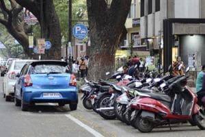 The scrapping of the existing 'pay and park' scheme on a few roads has resulted in chaos at various locations.