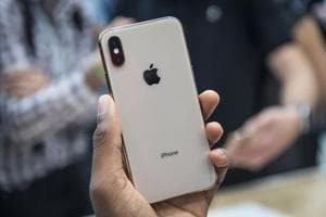 Foxconn will be assembling the most expensive models, such as devices in the flagship iPhone X family.