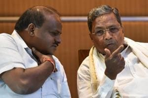 Former chief minister of Karnataka and the Chairman of Co-ordination committee Siddaramaiah(R) and the chief minister of Karnataka, H D Kumarswamy(L) during a joint press conference of Congress and Janta Dal (Secular) in Bengaluru on October 20.