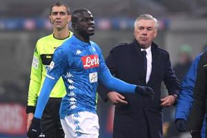 FILE PHOTO: Serie A - Inter Milan v Napoli - San Siro, Milan, Italy - December 26, 2018 Napoli