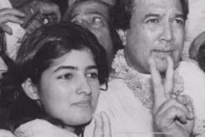 Throwback picture of Twinkle Khanna and Rajesh Khanna.