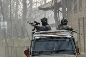 Army soldiers leave after the end of an encounter with the militants at Kuthipora village, Chattergam in Budgam. By December 29, forces killed at least 240 militants, including 12 top commanders of various militant groups.