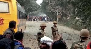 A police constable was killed after protestors hurled stones at vehicles returning from the venue of the rally.