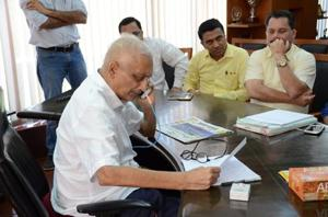 A frail-looking Goa chief minister Manohar Parrikar chose to begin the New Year on a positive note as he paid a surprise visit to his office in Panaji on Tuesday, for the first time in five months.