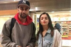Alia Bhatt and Ranbir Kapoor welcomes the new year in New York with his parents, Rishi Kapoor and Neetu Singh.
