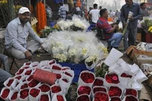 Councillors say there are at least 3,400 weekly markets in north Delhi; most vendors put up stalls without registering them.