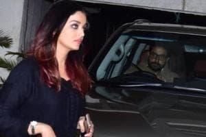 Bollywood couple Aishwarya Rai and Abhishek Bachchan were spotted outside Sonali Bendre's house.