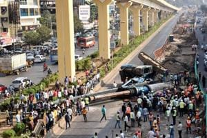 A crane collapsed while the metro work was in progress at the Nashik Phata. The accident happened at 2.30 pm on Sunday. Maha-Metro claimed that there was no casualty reported due to the accident, but has decided to impose a fine on the contractor.