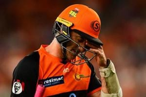 Controversy in Big Bash League as batsman gets dismissed on 7th ball of the over; umpire fails to spot howler
