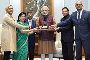 New Delhi: Prime Minister Narendra Modi receives the first-ever Philip Kotler Presidential award, in New Delhi, Monday, Jan. 14, 2019.