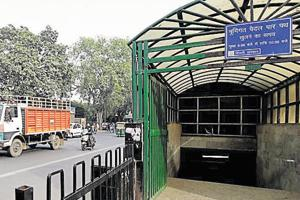 Despite being located near Lok Nayak hospital, the subway on Asaf Ali Marg does not have escalators, elevators or ramps. It is also poorly lit and stinks as people urinate inside.