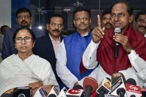 West Bengal Chief Minister Mamata Banerjee and her Telangana counterpart K. Chandrashekar Rao addresses the media after a meeting in Howrah near Kolkata, Monday, Dec 24, 2018. KCR, as Rao is popularly known, however, did not attend Banerjee' s mega rally in Kolkata today (File Photo)