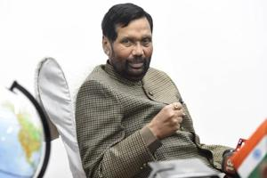 Union Minister Ram Vilas Paswan said the measure for 10 % general category quota will boost the BJP-led NDA's vote share by 10 %(Photo by Arvind Yadav / Hindustan Times)
