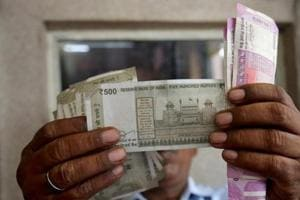 The rupee Monday weakened by 9 paise to close at 71.28 against the US dollar.