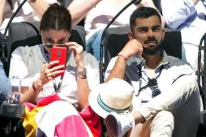 India vs New Zealand: Virat Kohli - Anushka Sharma welcomed with loud cheers in Auckland - Watch