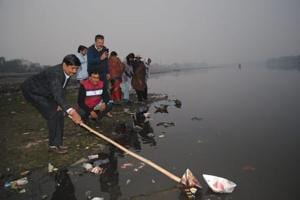 Gadkari promised steamers on Yamuna, activists float paper boats to remind him
