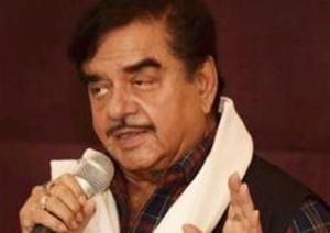 """Continuing with his attack at Prime Minister Narendra Modi, rebel BJP MP Shatrughan Sinha again targetted him using the """"chowkidar"""" jibe after attending a conference in Kolkata on Tuesday"""