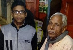 Shiv Kumar Prasad Chaurasia with his son Shubham who crack JEEMain