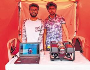 Engineering students from Somaiya Vidyavihar created a wi-fi-enabled autonomous underwater vehicle using simple coding.