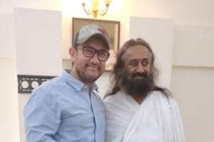 Aamir Khan with Sri Sri Ravi Shankar