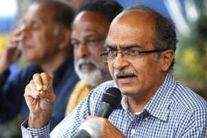 'Seems lawyers out with daggers': Supreme Court on Prashant Bhushan contempt case