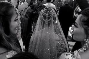 Anushka and Shibani Dandekar's sister Apeksha has tied the knot.