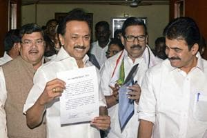 DMK President MK Stalin, Congress leader Mukul Wasnik, Tamil Nadu Congress Committee President KS Alagiri and others announce the seat sharing agreement for the 2019 Lok Sabha polls, in Chennai on February 20.