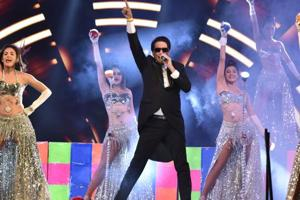 Shiamak Davar and his troupe performed at the event.