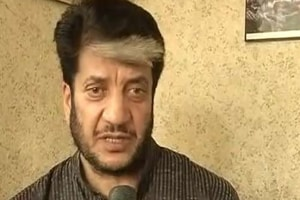 """Refuting fake news circulating in a section of media, Deputy Inspector General (DIG) of Tihar prison Shailendra Parihar said, """"Shabir Shah is absolutely fit and fine."""""""