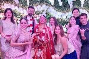 Fitness trainer Deanne Panday shared this picture from the wedding of Bipasha Basu's kid sister Vijayeta.