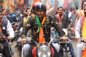 I wore (it) simply because I felt proud of my Army, said Manoj Tiwari on Twitter.
