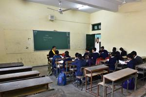 The Delhi government on Wednesday told the Delhi high court that it was in-principle ready to run municipal schools if legal provisions permit and if adequate funds were available.
