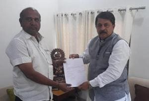Jamnagar (Rural) MLA Vallabh Dharaviya quit the party and tendered his resignation from the Assembly to Speaker Rajendra Trivedi on Monday.