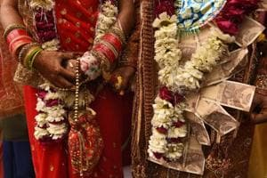 The villagers apparently did not let the groom leave the venue until the time he returned all the dowry he had taken